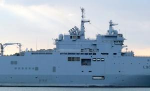 porte hélicoptères d'assaut, navire amphibie, navire hôpital