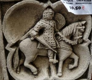 fresque chevalier en pierre reconstituée
