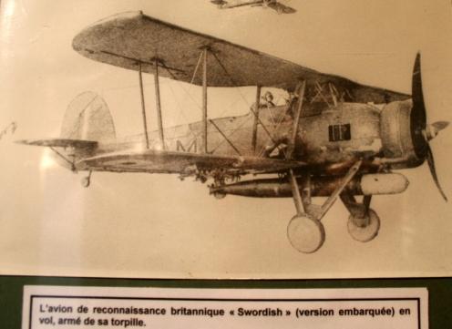 """avion de reconnaissance britanique """"SWORDFISH"""""""