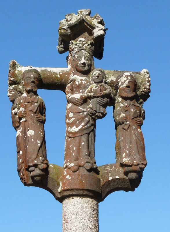 le calvaire de l'église de Saint Eloi