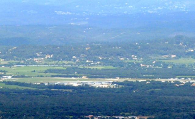 la base A.L.A.T. du Luc, où j'ai fait deux stages de pilotage, en 1974 et en 1989