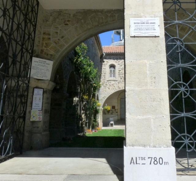 porche du sanctuaire