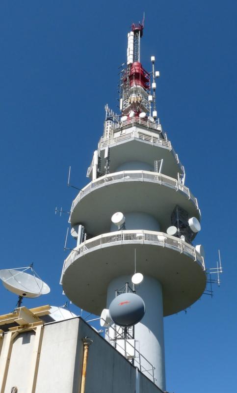 relais important des ondes électro magnétiques