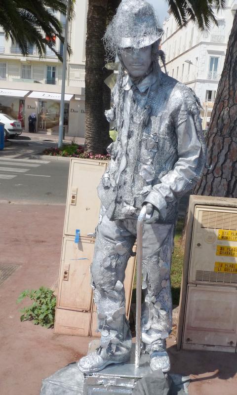 statue humaine