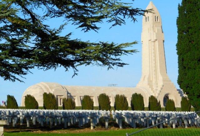 le cimetière et l'ossuaire de Douaumont